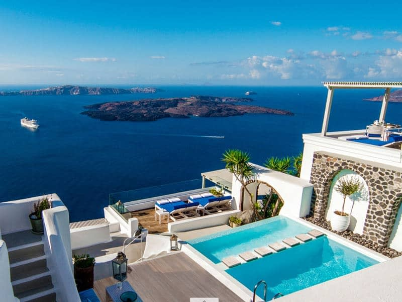 iconic santorini hotel greece